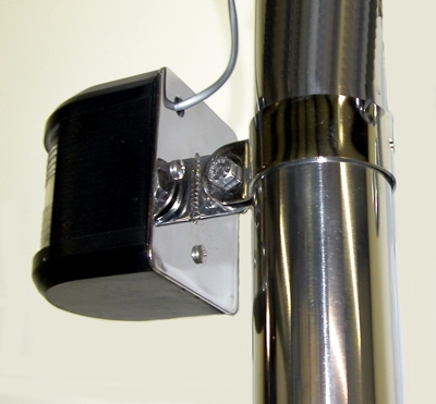 Pole light mounting plate